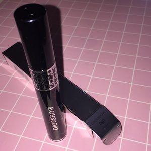 Dior DiorShow 09 Mascara Buildable Volume Black